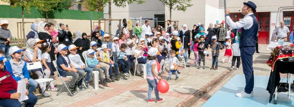 مهرجان الطفل في حديقة جمعية اللاجئين