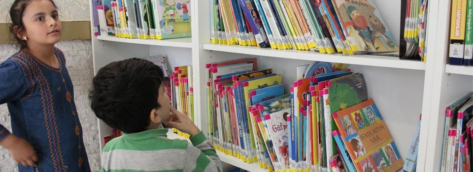 Suriyeli Çocuklar Kütüphane
