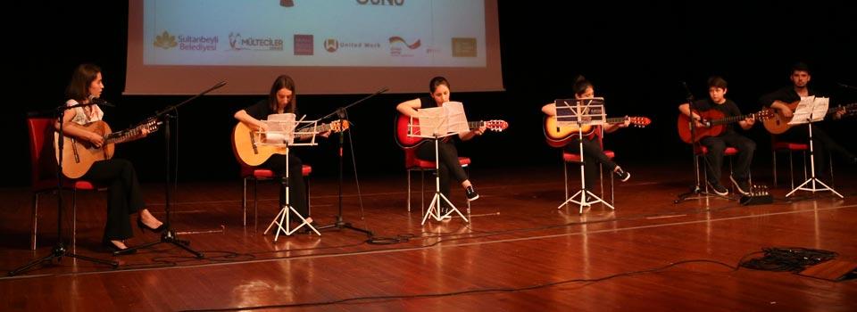 Kardeşlik Korosu Mülteciler Günü Konseri