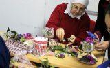Kadınlar Çiçek Şelalesi Yaptı