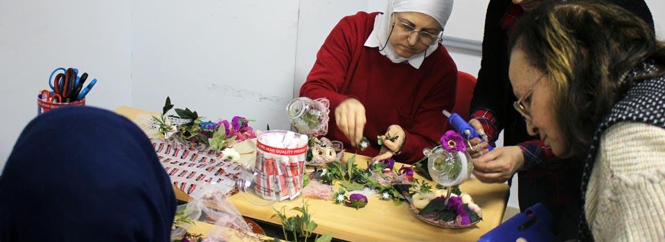 Türk ve Suriyeli Kadınlar El Şelalesi
