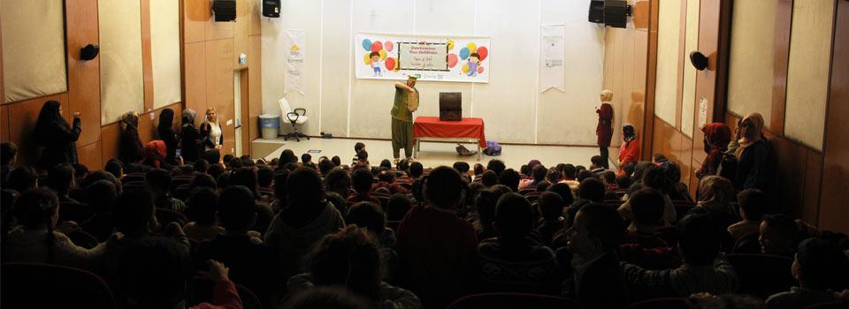 Mülteciler Eğitim Merkezi Sahne