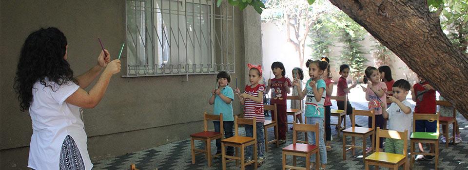 Anaokulu Öğretmen Müzik Çocuklar Eğitim